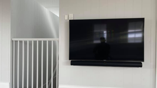 CaseStudy_matt_hill_electrical_55 inch samsung tv wall mounted with speaker