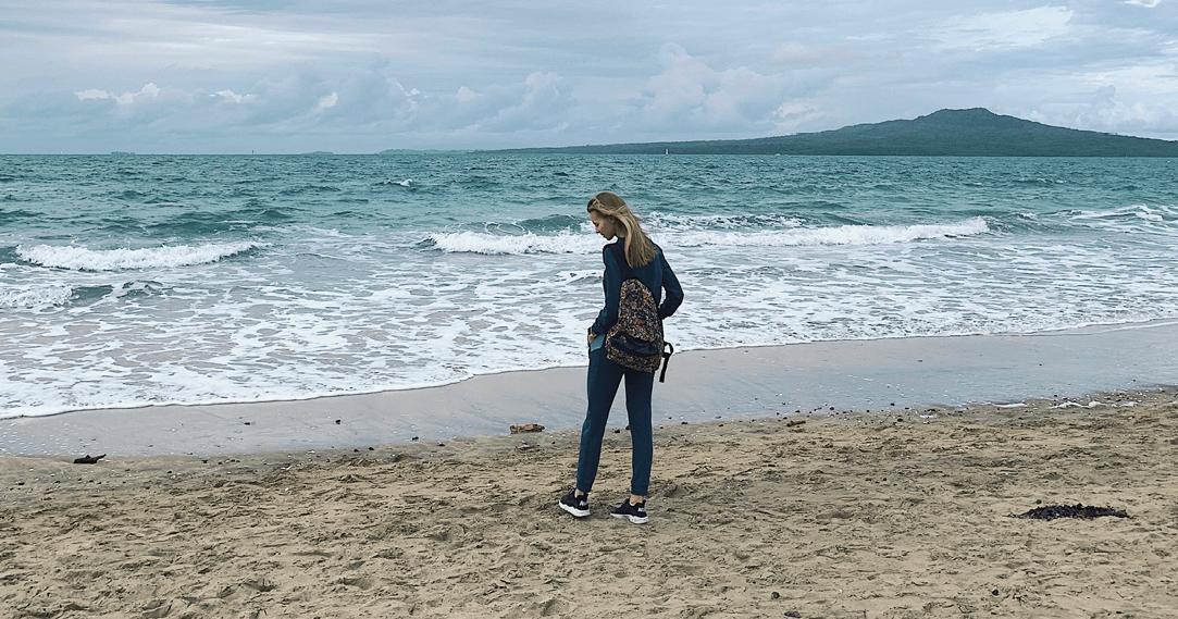 mat_alena_alena by the beach
