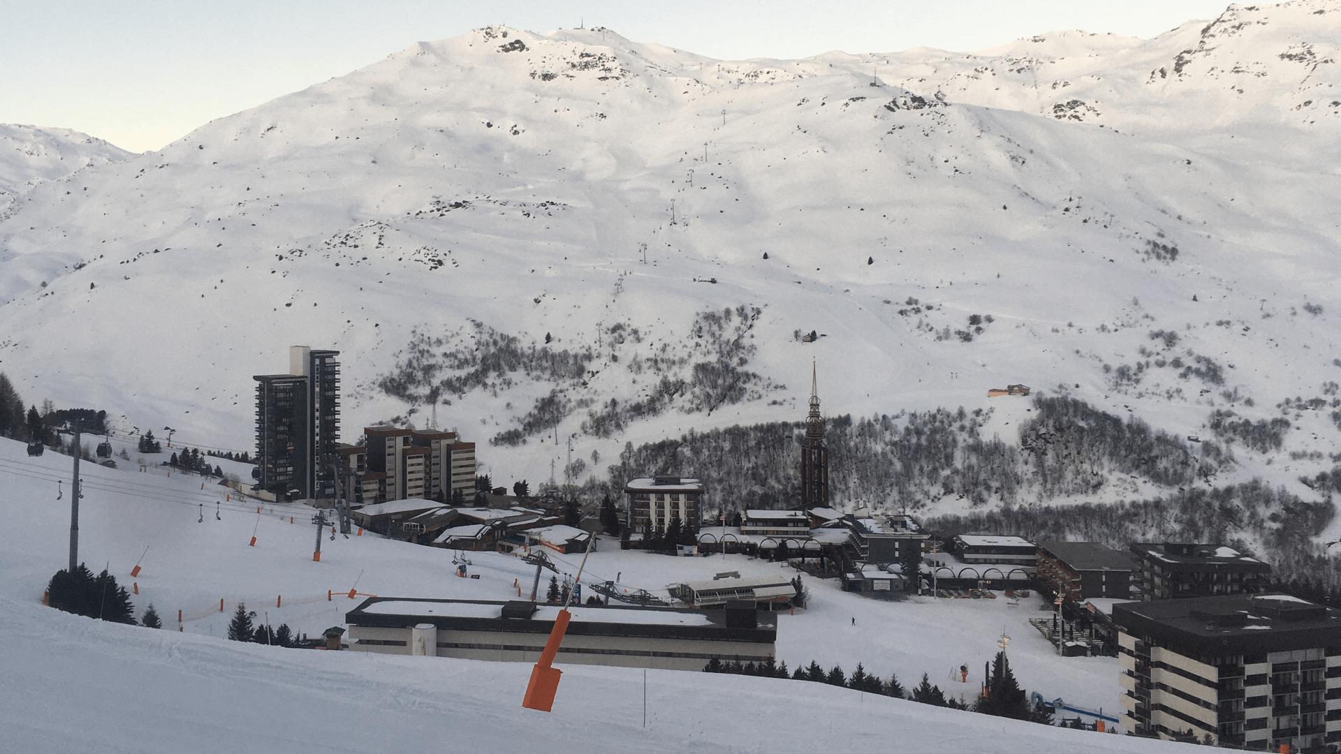 mat_kat_snowy slopes landscape in Les Menuires, France