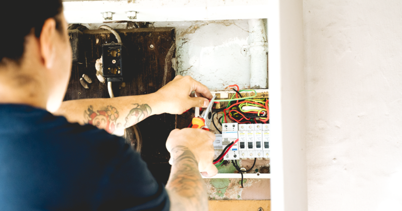 wiring a fuse switchboard